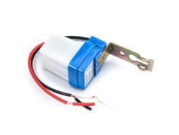 Luxomat LIGHT CONTROL SENSOR IP44 AC110-240V D:16m 300° Lux:10-40